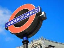 Знак станции метро Лондона подземный, Лондон, Великобритания Стоковое Изображение RF