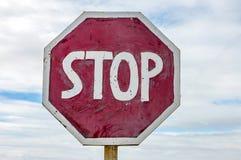 Знак стопа на дороге Стоковое Фото