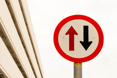 Знак 2 стрелок Стоковое Изображение