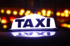 Знак такси Стоковое Фото