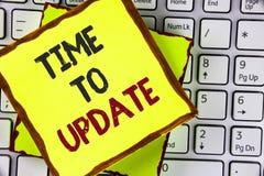 Знак текста показывая время уточнить Схематическому возобновлению фото уточняя изменения была нужна модернизация реновации написа стоковая фотография rf