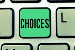 Знак текста показывая выборы Схематические варианты фото выбирая между двумя или больше решениями возможностей стоковая фотография