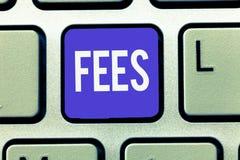 Знак текста показывая гонорары Схематическая оплата фото сделанная к персоне для денег работы оплатила как часть сделки стоковая фотография