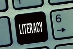 Знак текста показывая грамотность Схематическая способность фото прочитать и написать правомочность или знание в определенной обл стоковая фотография rf