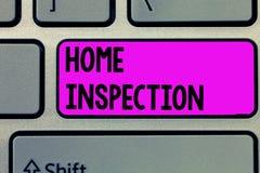 Знак текста показывая домашний осмотр Схематическое рассмотрение фото состояния дома связало свойство стоковые фотографии rf