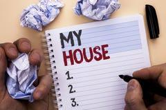 Знак текста показывая мой дом Имущество домочадца семьи свойства схематического дома снабжения жилищем фото жилое новое написанно Стоковое Фото