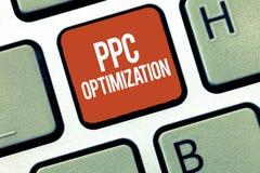 Знак текста показывая оптимизирование Ppc Схематическое повышение фото платформы поисковой системы для оплаты в щелчок стоковое фото rf