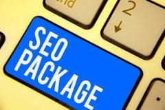 Знак текста показывая пакет Seo Схематическая практика фото ключа сини клавиатуры посетителей количества увеличения оптимизирован стоковые фото