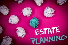 Знак текста показывая планирование имущества Lett схематических идей свойств ипотеки пенсионного плана вклада страхования фото бе стоковое фото rf