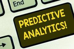 Знак текста показывая предвестниковый аналитика Схематический метод фото для того чтобы прогнозировать статистический анализ Perf стоковая фотография rf