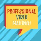 Знак текста показывая профессиональный делать видео Схематические изображения кинематографии фото цифров записанные экспертным ст стоковая фотография