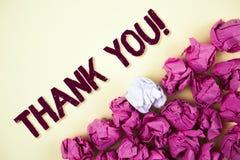 Знак текста показывая спасибо мотивационный звонок Схематическая признательность подтверждения приветствию благодарности фото нап стоковое изображение