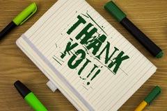 Знак текста показывая спасибо мотивационный звонок Схематическая признательность подтверждения приветствию благодарности фото нап стоковые изображения
