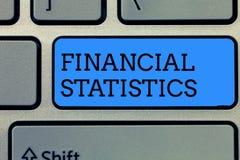 Знак текста показывая финансовые статистик Схематический исчерпывающий набор фото данных по запаса и прироста компании стоковые фото