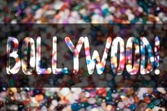 Знак текста показывая Bollywood мотивационный звонок Конфета ide конфет схематического кино развлечений фильма кино Голливуда фот Стоковое Фото