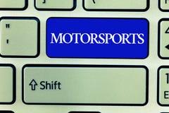 Знак текста показывая Motorsports Спортивные соревнования схематического фото конкурсные которые включают моторизованные корабли стоковые фотографии rf