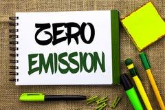 Знак текста показывая zero излучение Схематический источник энергии мотора двигателя фото который не испускает никакие отходы нап стоковые фотографии rf