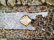 Знак трассы Сантьяго de Compostella Стоковые Фотографии RF