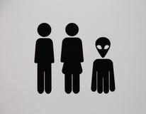 Знак туалета с чужеземцем Стоковые Изображения
