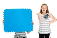 знак удерживания зеленого цвета ребенка стрелки пустой Стоковые Фото