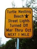Знак улицы вложенности черепахи стоковое фото rf