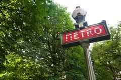 знак установки парка paris метро Стоковое Фото
