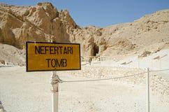 Знак усыпальницы Nefertari, долина ферзей Стоковая Фотография