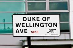 Знак улицы герцога Веллингтона Ave Стоковые Изображения RF