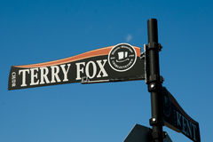Знак улицы Fox Терри - Charlottetown - Канада Стоковые Фотографии RF
