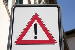 Знак уличного движения возгласа Стоковые Фото