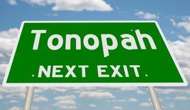Знак шоссе для Tonopah стоковые изображения rf