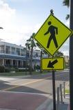 Знак для пешеходного перехода Стоковая Фотография