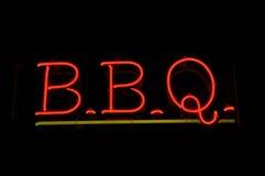знак bbq барбекю неоновый стоковая фотография rf