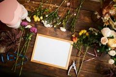 Знак Flatlay в цветочном магазине стоковая фотография