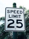 Знак Linit 25 MPG скорости Стоковое Фото