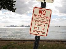 Знак Miami Beach Trespassing Стоковые Фотографии RF