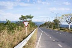 Знак Mpty на дороге Стоковые Изображения