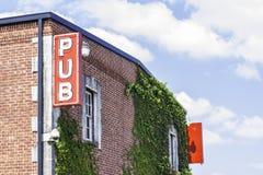 Знак 2 Pub стоковые фотографии rf