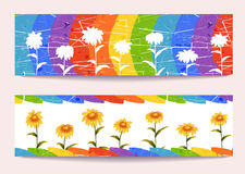 Знамена вектора с цветками на предпосылке радуги Стоковое Фото