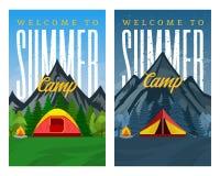 Знамена вертикали летнего лагеря гор вектора все время Стоковая Фотография RF