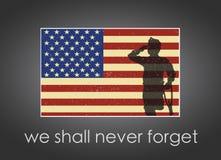 Знамя Дня памяти погибших в войнах с американским флагом и солдат на ем Стоковая Фотография