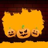 Знамя или плакат grunge сети хеллоуина оранжевые при тыквы хеллоуина страшные изолированные на предпосылке кирпичной стены funky иллюстрация штока