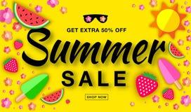 Знамя продажи лета горизонтальное плоское с плоским бумажным солнцем, арбузом, мороженым, клубникой, цветком, элементами вектора иллюстрация вектора
