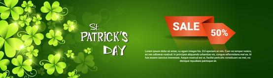 Знамя продажи скидки специального предложения фестиваля пива дня St. Patrick Стоковые Изображения