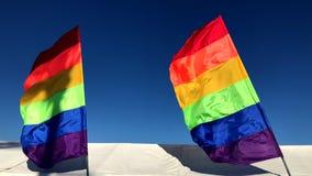 Знамя радуги гей-парада сигнализирует шатер фестиваля акции видеоматериалы