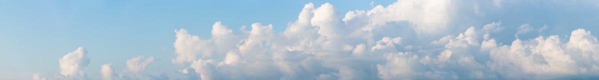 Знамя Cloudscape горизонтальное Стоковые Изображения