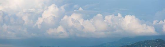 Знамя Cloudscape горизонтальное Стоковое Изображение