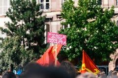 Знамя Palcard на протесте в страсбурге Франции Стоковая Фотография
