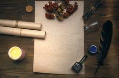 Знахарь shaman колдовство Волшебная таблица альтернативный bamboo поднос спы микстуры деталей ginkgo biloba ванны Стоковое Изображение