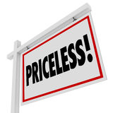Значение бесценного знака недвижимости дома слова для продажи дорогое Стоковая Фотография RF